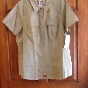 Dickies Womens Shirt Size  2XL. NWT